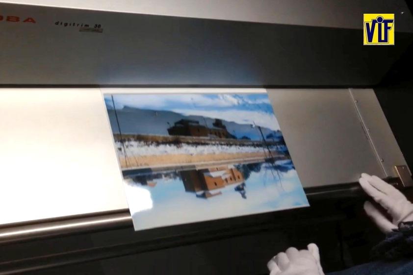 Color VIF laboratorio fotográfico profesional Barcelona, foto digital y analógica barato, fotos DNI, revelado químico online, ampliaciones urgentes,
