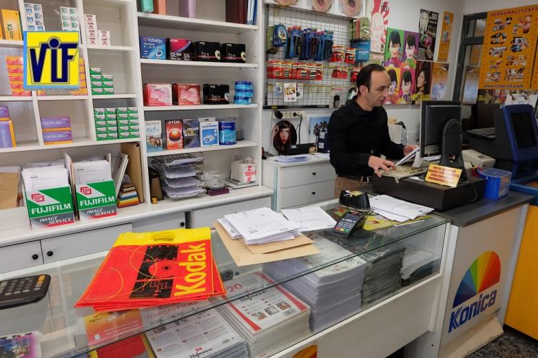 Colorviflaboratorio fotográfico profesional Barcelona, imprimir fotos, foto digital y analógica barato, fotos DNI