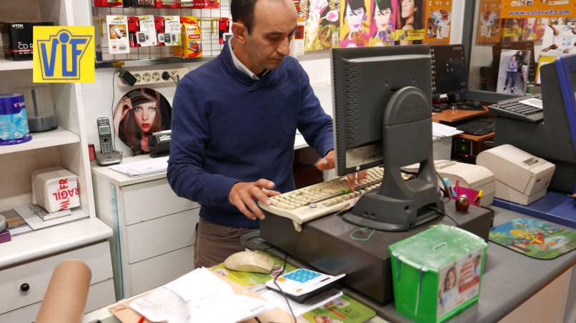 Colorvif te ofrece un revelado de carretes barato e impresión digital en Barcelona