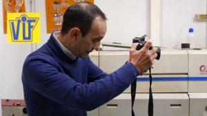 Fotos DNI o curriculum en Barcelona, al instante, Colorvif laboratorio fotográfico